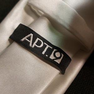 Apt 9 tie